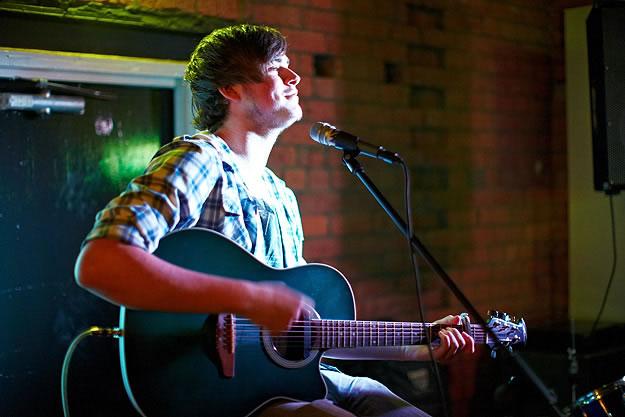 Ash Holland 14881 Gary Wolstenholme   Sarah Mac: Everyone Knows EP Launch