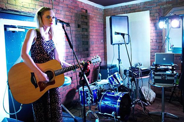 Emily Jane Stancer 15096 Gary Wolstenholme   Sarah Mac: Everyone Knows EP Launch