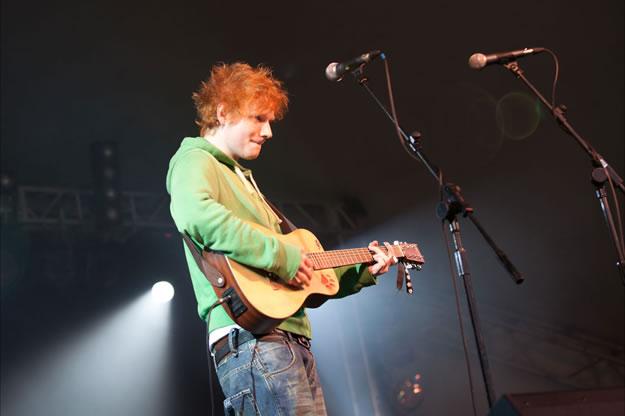 Ed Sheeran ML11 0823 | The Magic Loungeabout