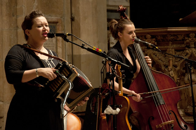 Eliza Carthy3 | Eliza Carthy Band: Sheffield Cathedral