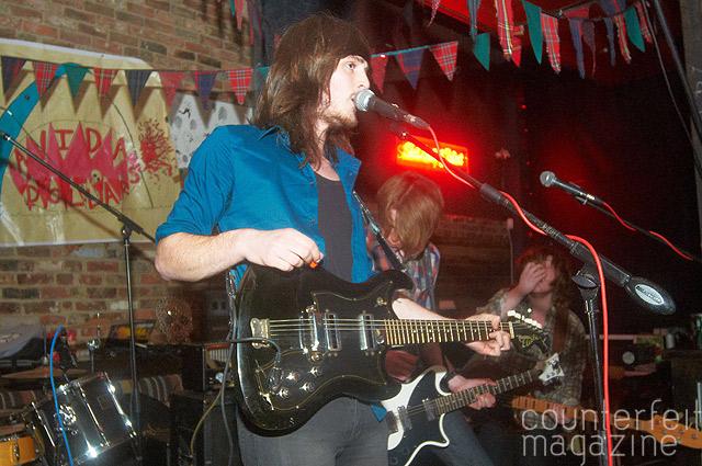 BlueLipFeel 035 |  Avida Dollars, Blue Lip Feel & Das Chip Shop: Bungalows & Bears, Sheffield