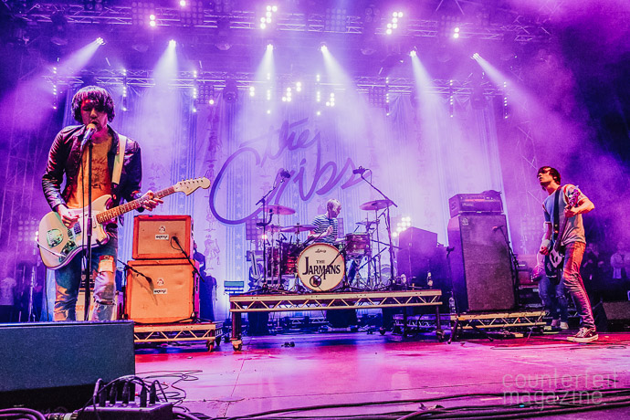 11 160722 The Cribs  | The Cribs: Millennium Square, Leeds