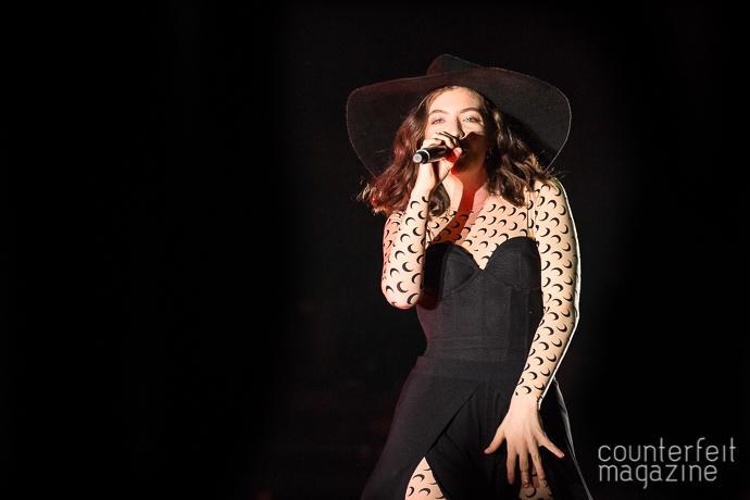 01 Lorde Andrew Twambley | Lorde: 02 Apollo, Manchester