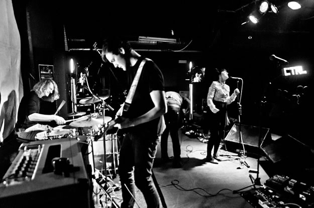 letsbuyhappiness 0465   Frankie and the Heartstrings: The Plug, Sheffield