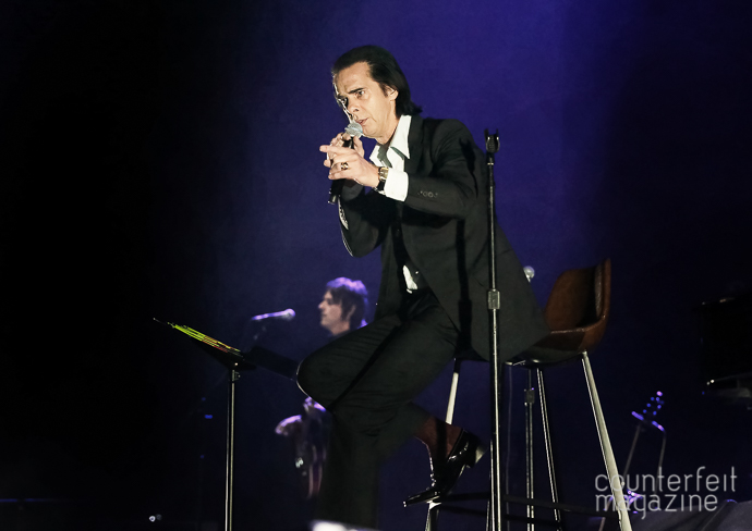 06 Nick Cave Sakura Henderson | Nick Cave & The Bad Seeds: Manchester Arena, Manchester